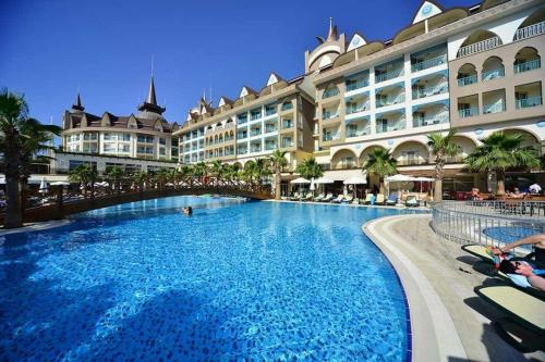 hotel-crown-palace-side-antalya