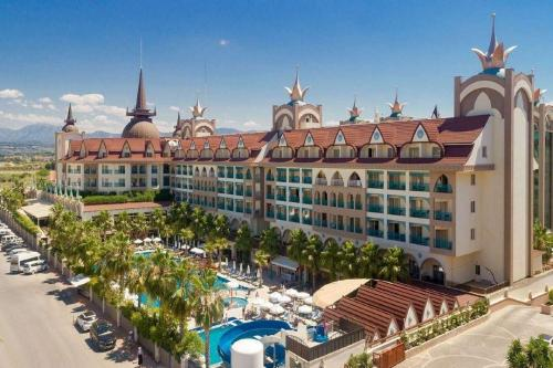 hotel-crown-palace-side-antalya01